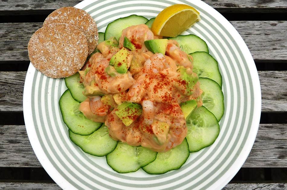 avocado-prawn-cocktail-recipe-image