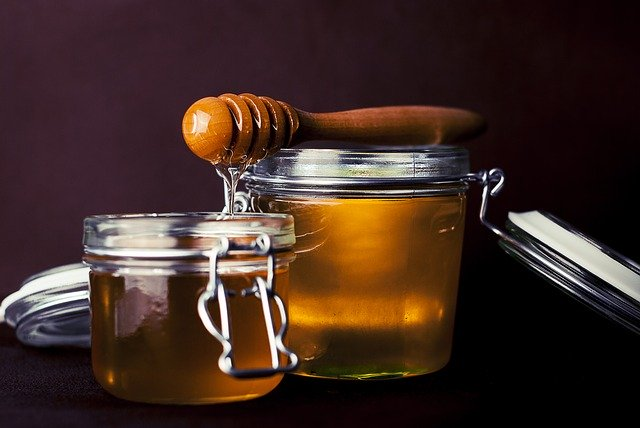 natural sugars vs. honey-image
